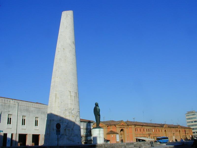 Lugo Monumento Baracca e Pavaglione
