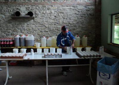 Preparazione delle bevande al ristoro di Abeto (FC)