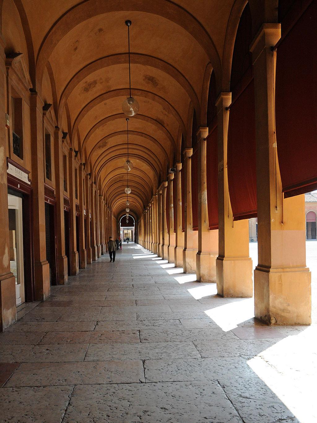 Lugo i portici del Pavaglione